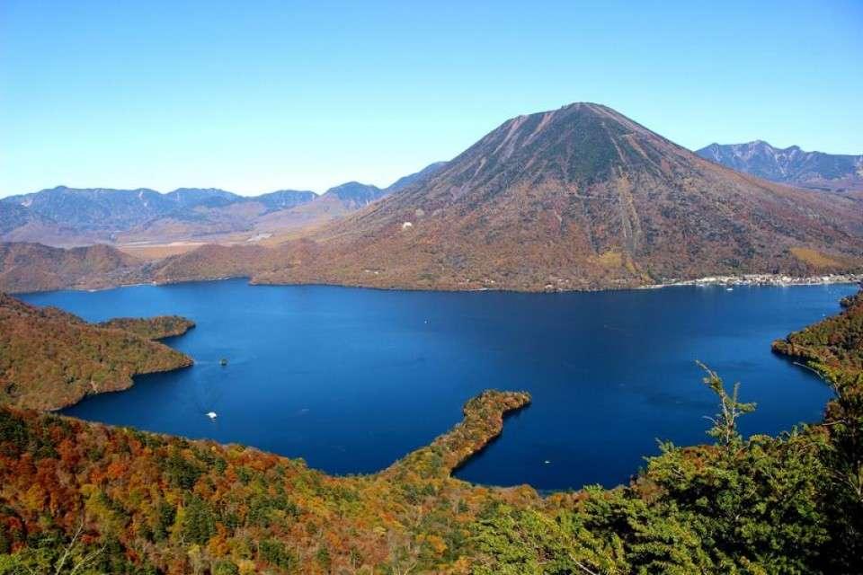 日光、日本百名山の1つの「男体山」、日本一標高の高い湖の「中禅寺湖」