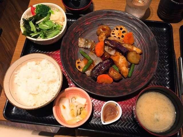 すけそう鱈と野菜の黒酢あん定食