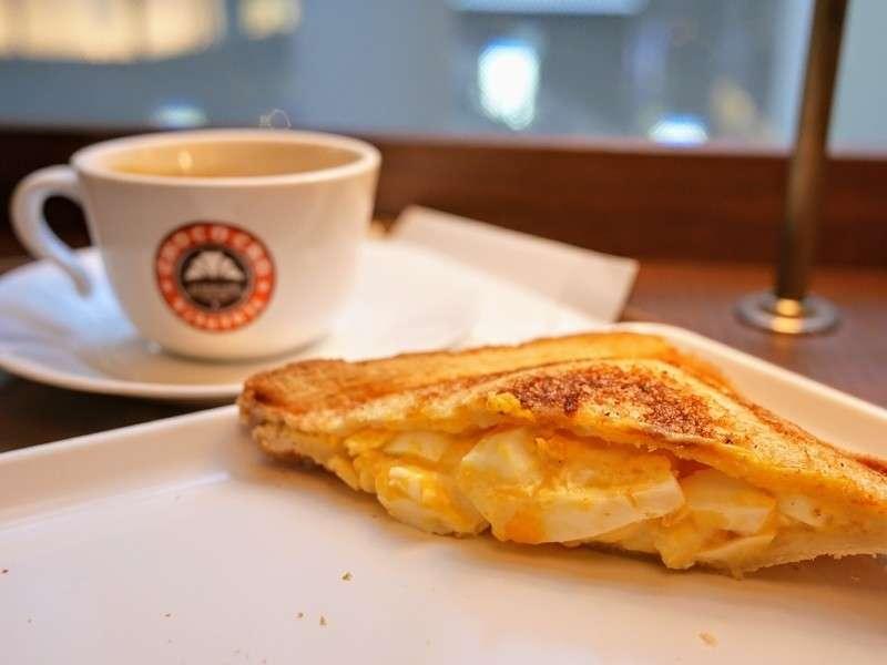 トーストサンド(たっぷりタマゴ)