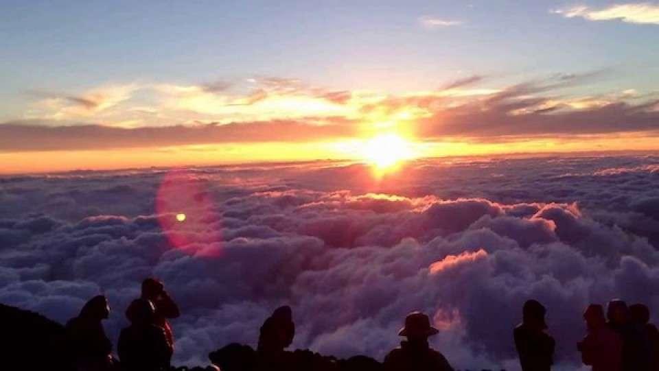 御来光と富士山