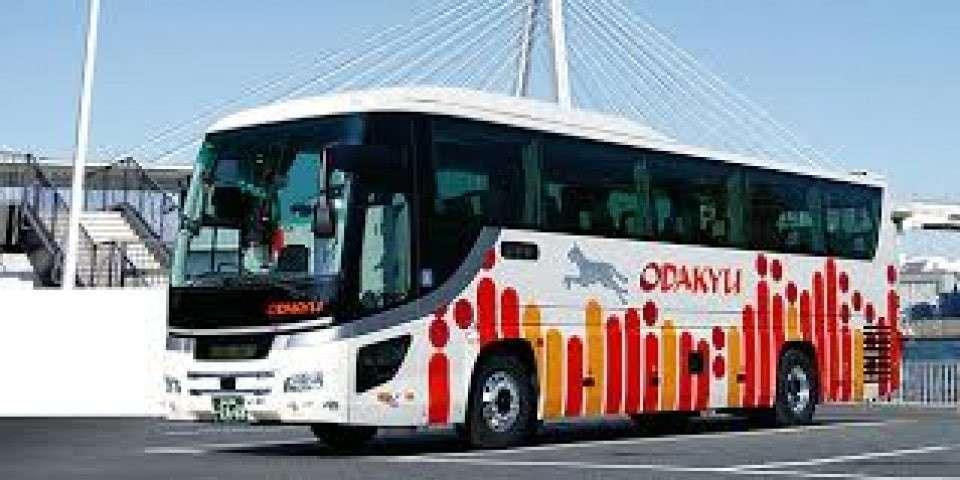 バスの画像