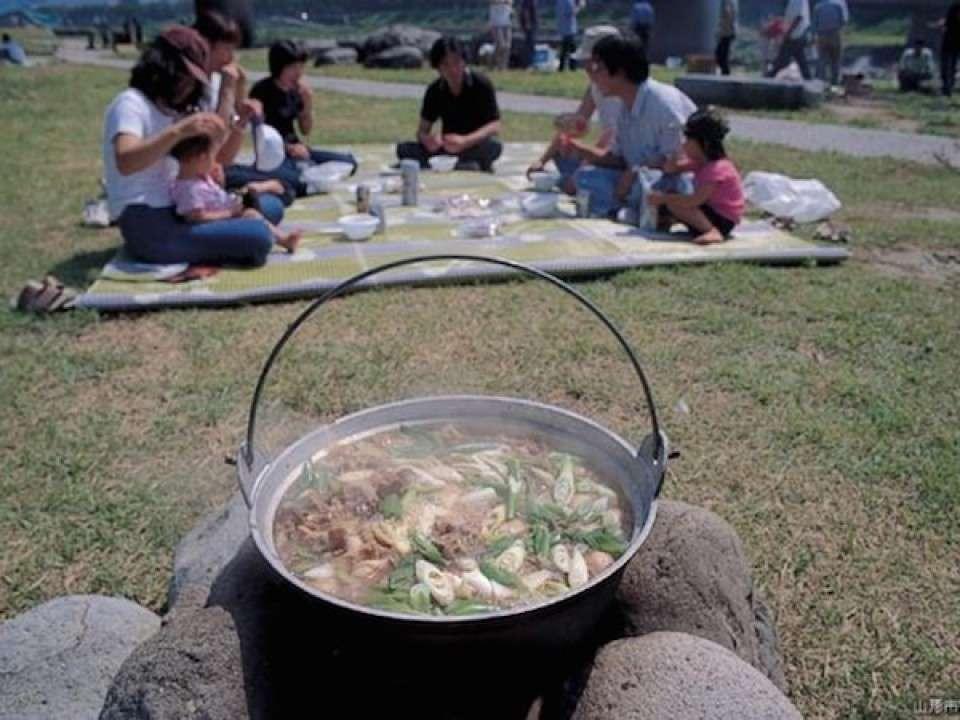 山形県の名物「芋煮」