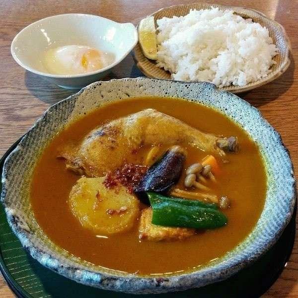 北海道の名物「スープカレー」