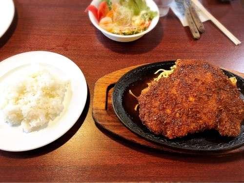 名古屋名物「味噌カツ」