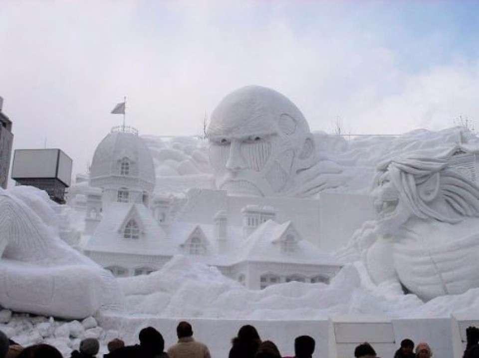 【さっぽろ雪まつり】歴代雪像「進撃の巨人、サッポロ襲来!」画像