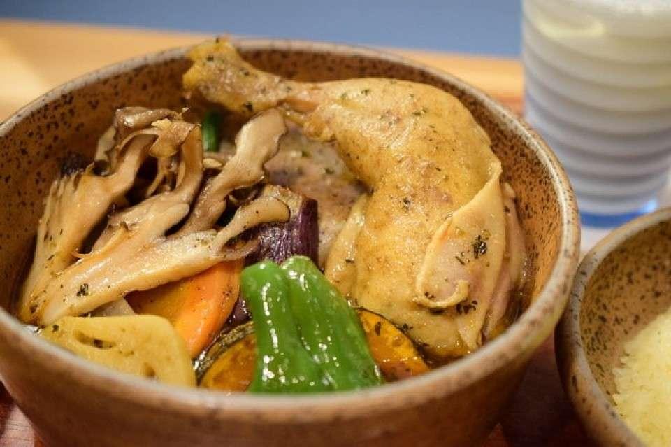 野菜たっぷりスープカレー『ピカンティ』画像