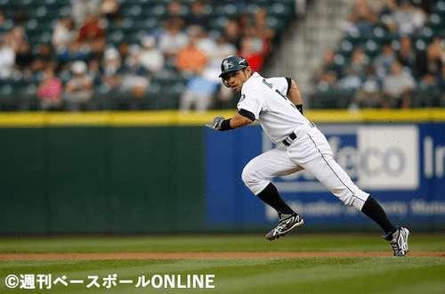 日米通算盗塁数は708は日本人歴代2位「イチロー」